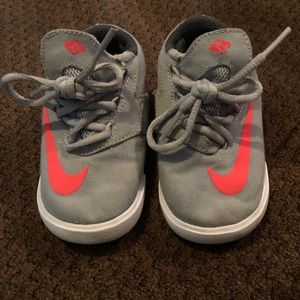 Toddler Nile KD Vulc Skate Shoes In Gray & Pink.